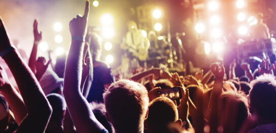 メジャーバンドとインディーズバンドの違いとそれぞれの条件やメリットも紹介